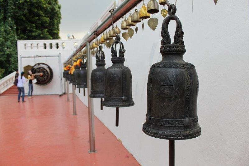 large_gold_mount_bells.jpg