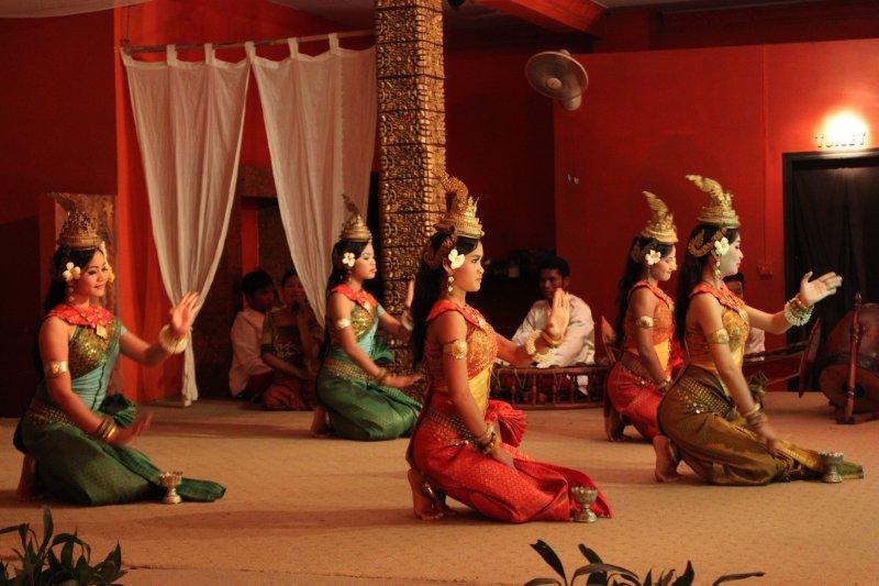large_khmer_dance.jpg