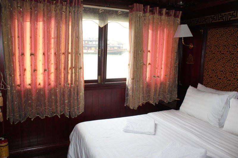 large_room.jpg