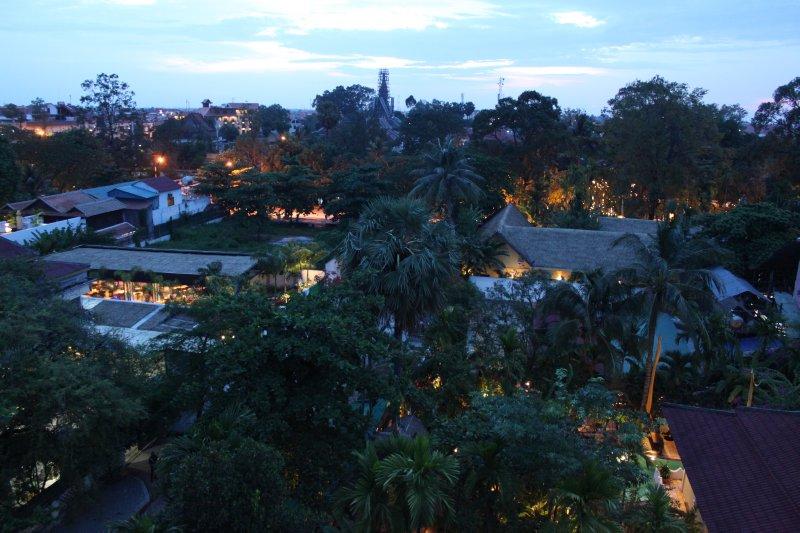 large_siem_reap_night_view.jpg