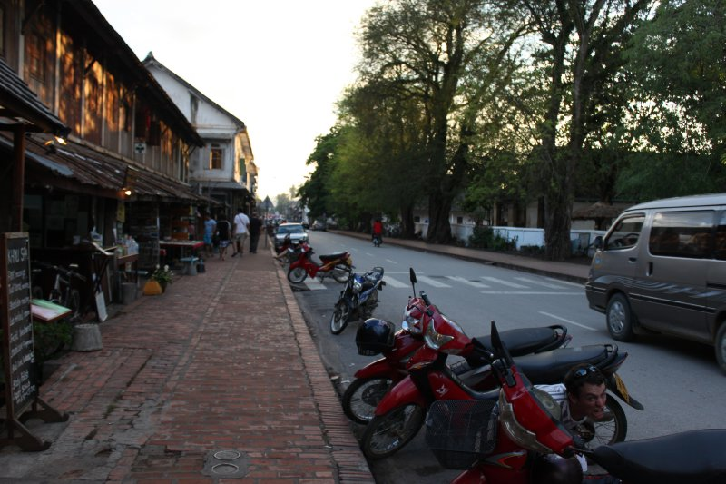 large_street.jpg
