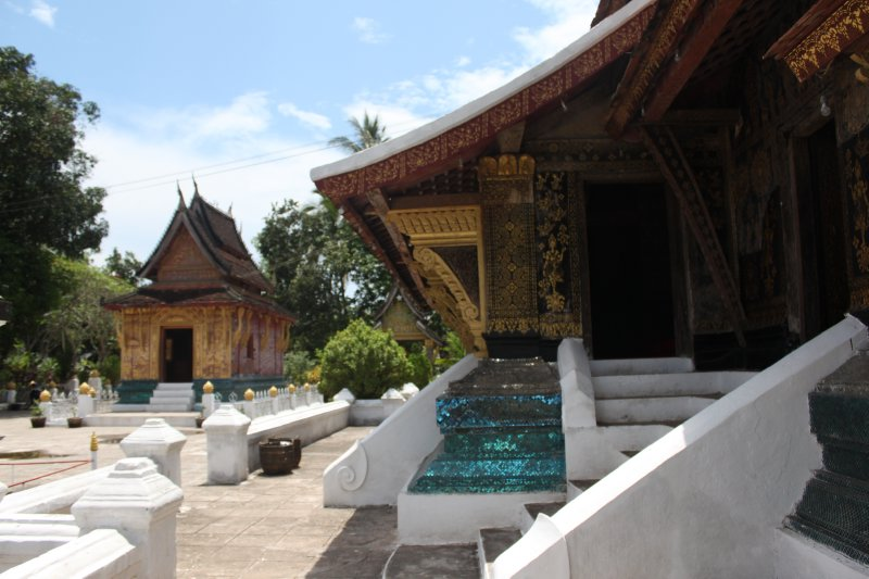 large_temple_grounds.jpg