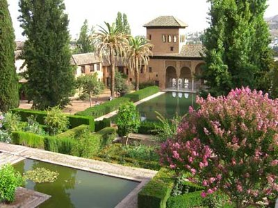 Green garden alhambra spain travellerspoint travel for Jardin hispano mauresque