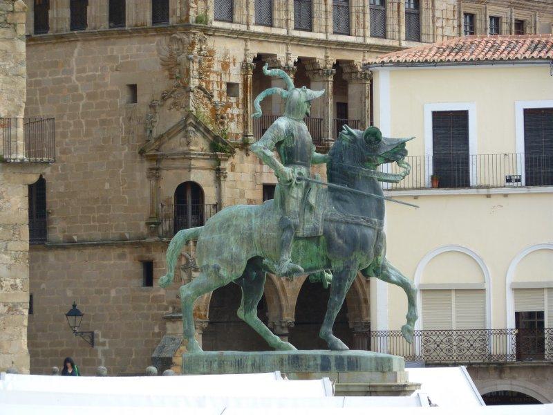 Statue of Pizarro