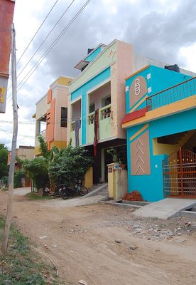 Tomato Sekar's house - second house in the middle of three