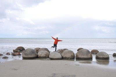bouldering on the moerakis