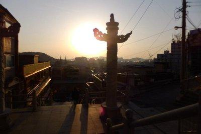 chinatown_totem_pole.jpg
