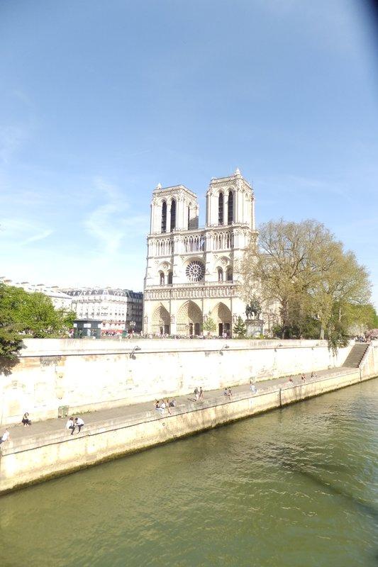 large_Notre_Dame.jpg
