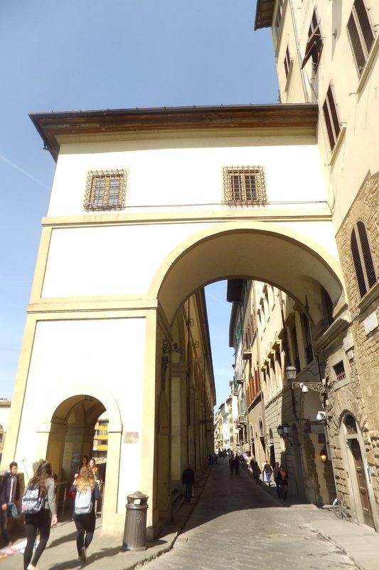 large_Ponte_Vecc..et_passages.jpg