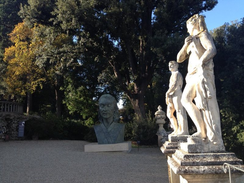 Old and new sculptures, Bardini Gardens
