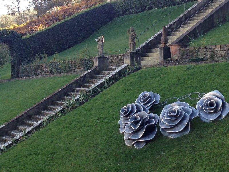 Flower sculptures, Bardini Gardens