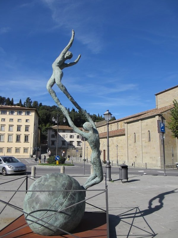 Sculpture in Piazza Mino de Fiesole