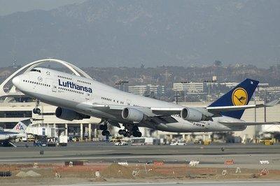 Lufthansa_747-400.jpg