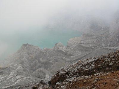 Vue sur le lac du Kawah Ijen