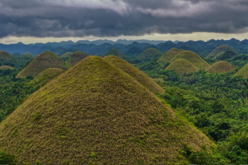 The Chocolate Hills in HDR