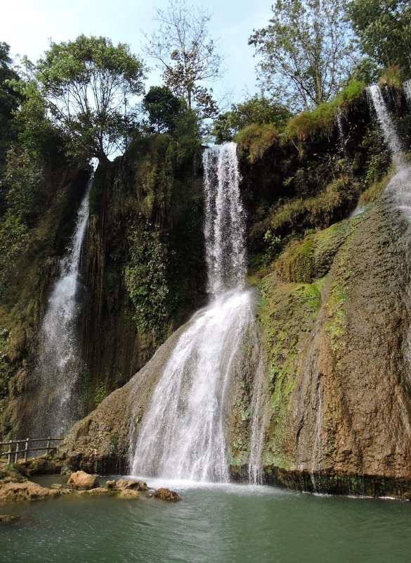 Dzai Yem waterfall in Moc Chau