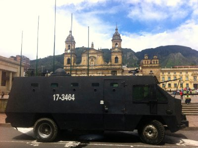 Plaza_Boliva_riot_vehicle.jpg