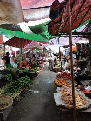 The Nyanug U market