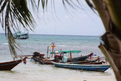 Golden beaches and turquoise water at Koh Tao