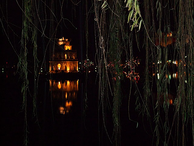 Hoan Kiem Lake Pavillion by night
