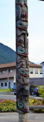 Totem outside the Sitka High School