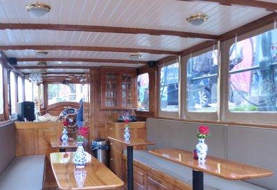 Canal Cruise ship