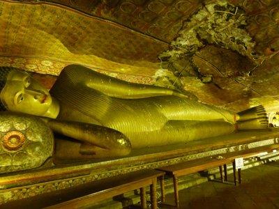 Golden Reclining Buddha - Dambulla