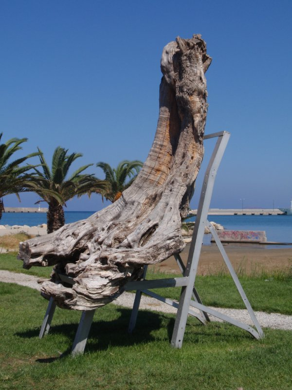 Tree Sculpture in Rethymon (1)