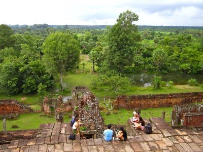 """Watching the """"sunset"""" at the edge of Pre Rup and loving every minute of it!"""
