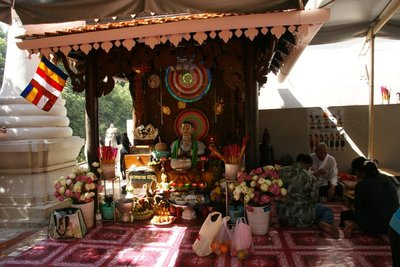 Mini shrine outside the main pagoda to place gifts and get blessing