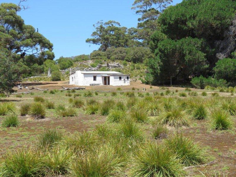 large_Mays_Cottage__1_.jpg