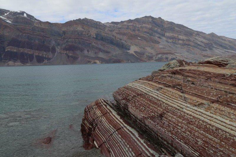 large_Rocks_at_Skipperdalen.jpg