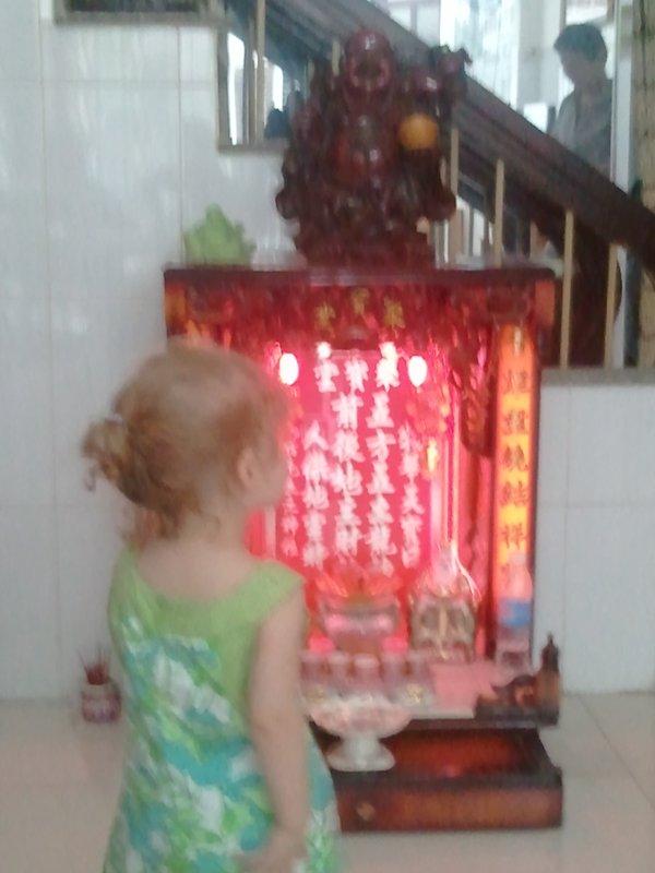 Saigon - Essie checkin in with Buddha