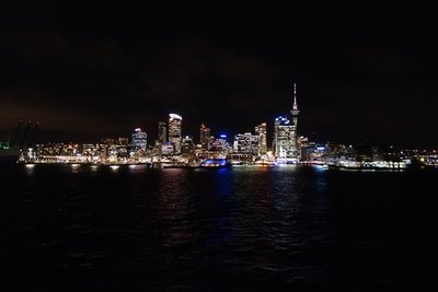 5-19r (38) Auckland at night