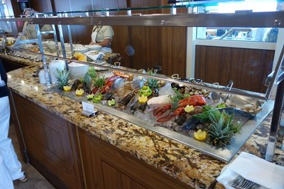 6-12r (1) Seafood buffet