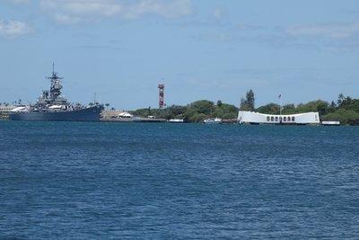 6-7r (3) USS Missouri & Arizona Memorial