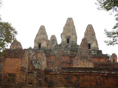 Pre Rup is a Hindu temple, dedicated to Shiva, built in 962 made of brick, sandstone and laterite; Pre Rup's extensive laterite and brick give it a pleasing reddish tone that is heightened by early morning and late afternoon sunlight