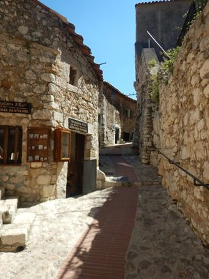 The old buildings all seemed occupied with tasteful shops or residences; in Greece and Italy too often the old villages would be deteriorating but that wasn't the case in Eze