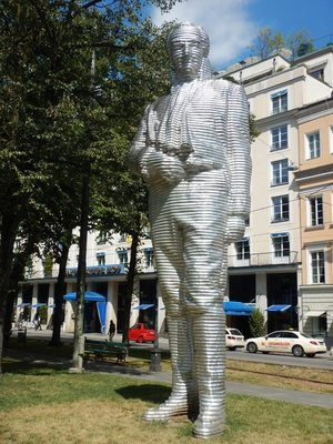 Munich has a wealth of public art but much of it is rather conventional; I found this piece eye-catching and much better than many of the museum pieces here
