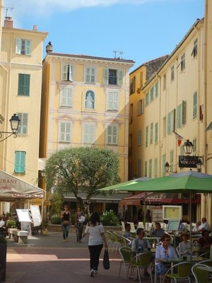 There were so many colorful squares in Menton; the town is only 30 minutes by train from Nice