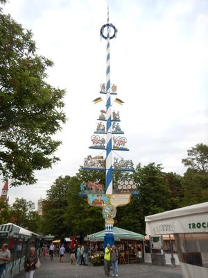The traditional maypole that is the main landmark in the Viktualienmarkt which is an area of food stalls and budget eateries; Bob and David enjoyed a snack and beers here