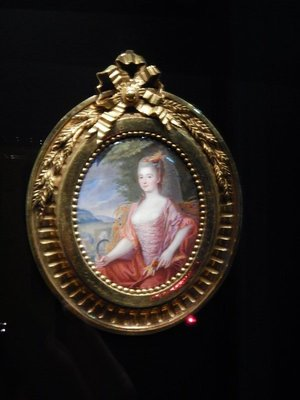 The Residenz has an extensive collection of the finest miniatures from the late 16th to mid-19th centuries; the wide spectrum of techniques represented includes watercolor on vellum or ivory, oil on silver or copper and enamel painting