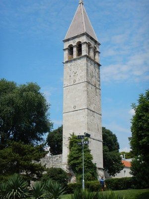 The belfry of Saint Arnir was built in the 18th century next to the chapel that dates from 1069; Split is well-known as a mecca for water polo
