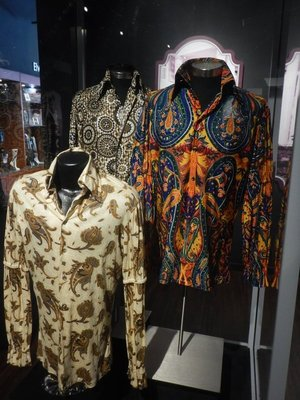 Elvis's puffed-sleeve shirts became popular in the early 1970s; Elvis managed to make a C in his 8th grade music class