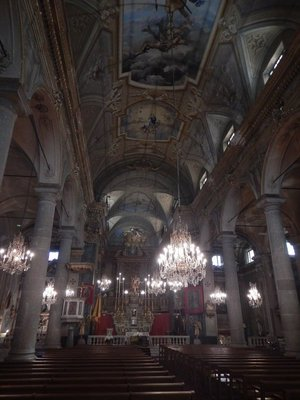 Saint Michel Basilica sanctuary; the organ and pulpit both date from 1652