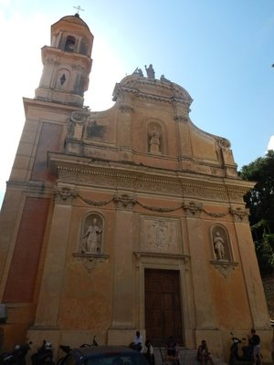 The Chapel of the White Penitents was built in 1687 and lies on the same plaza with the basilica