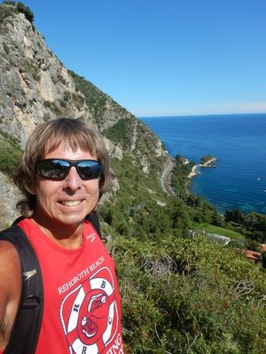 Hiking down Nietzchke path to Eze sur Mer took about an hour but it was a perfect day and the views were stupendous