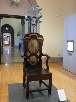 The Blackstone Chair (1776) was used at the University of Glasgow for oral examinations; the time-glass atop the chair signaled when the 20 minutes was up