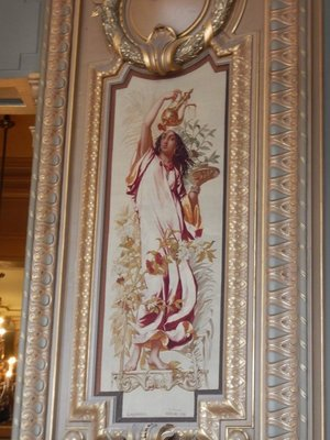 There was even a restaurant in the Opera with the menu painted on the walls; this panel illustrates tea while others showed coffee, pastries, fish, beef, champagne and, the most expensive items, ice cream