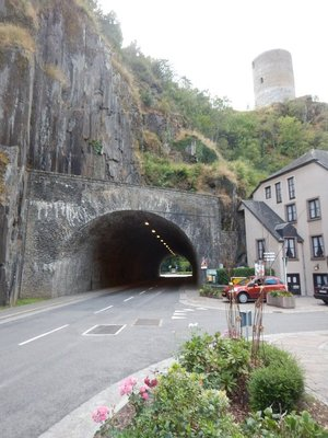 If you take this 80 meter tunnel you completely bypass Esch sur Sure; the tiny village is on a little peninsula surrounded by the shallow Sure River